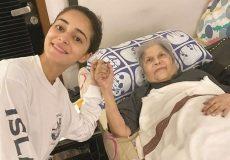 Ananya-Panday-with-Grandma
